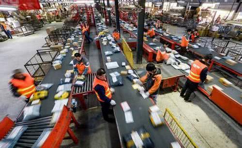 我国快递量破500亿件,两通一达位列前三,快递员365日在岗